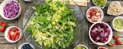 3 tipy na vynikající saláty, které si připravíte za pár minut!
