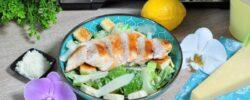 Lehká a chutná večere nebo oběd, to je Caesar salát